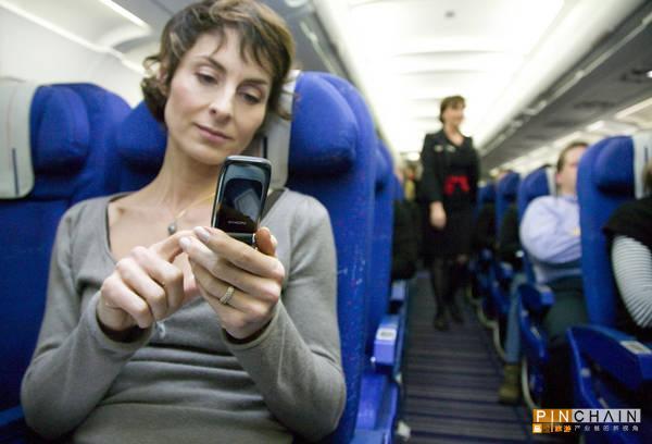 手机:美国解禁机舱内无线通话再惹争议