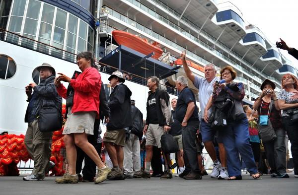 香港:邮轮码头已接待逾9万人出入境旅游