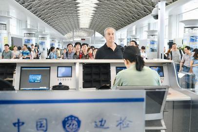 成都机场:简化登机流程 国内航班二维码乘机