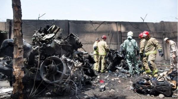 伊朗:发生国内航班坠机事件,约40人丧生