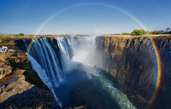 津巴布韦:中国人挽救旅游业,景区炒饭热