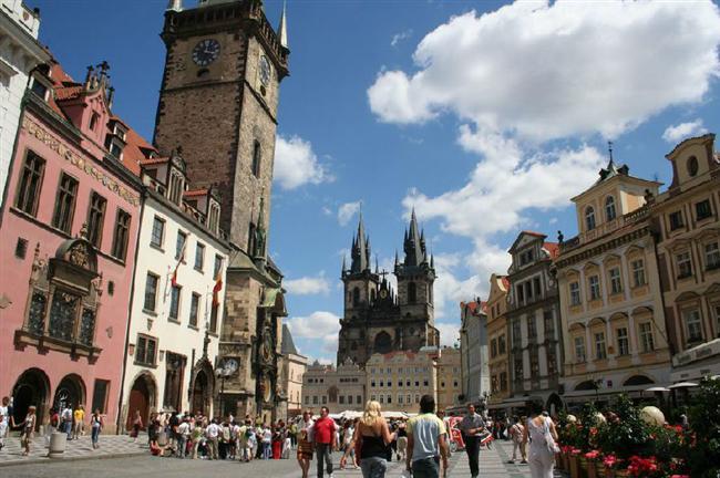 布拉格:为缓解过度旅游 将限制Airbnb等民宿