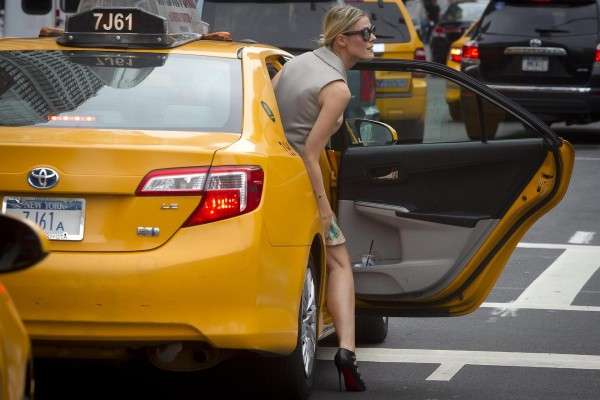SheTaxis:安全牌!为女性提供出租车服务