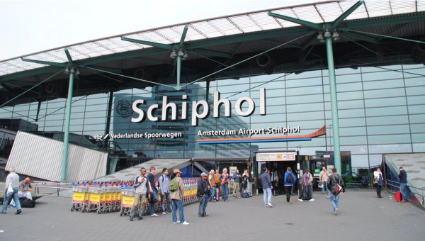 阿姆斯特丹:机场启用特斯拉出租车强化环保