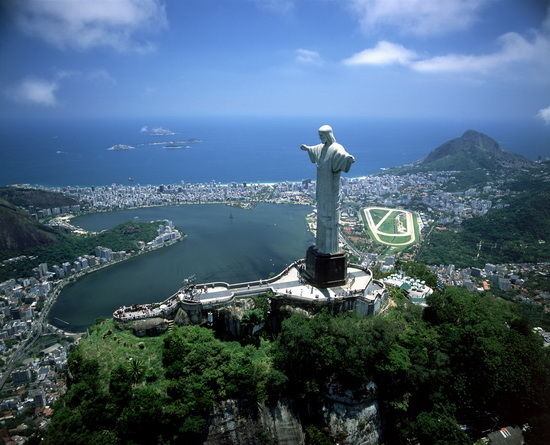 巴西总统宣布:将对中国游客实行免签政策