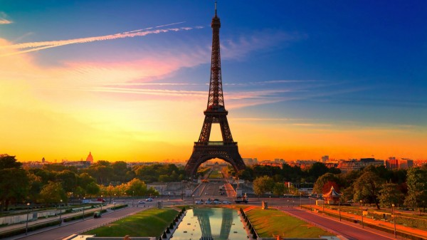 巴黎斥2000万欧元为埃菲尔铁塔建防弹玻璃墙