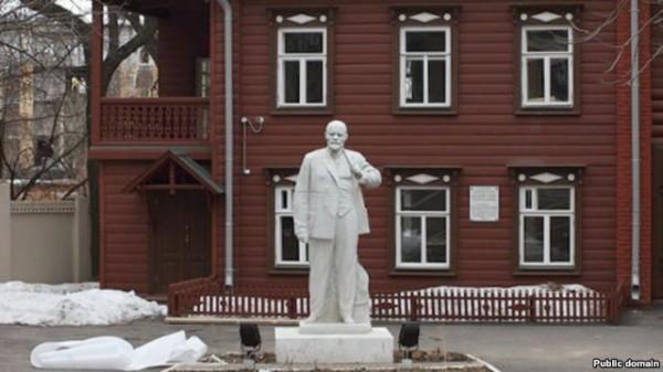俄旅游署:赴莫斯科中国游客数量增长近2倍