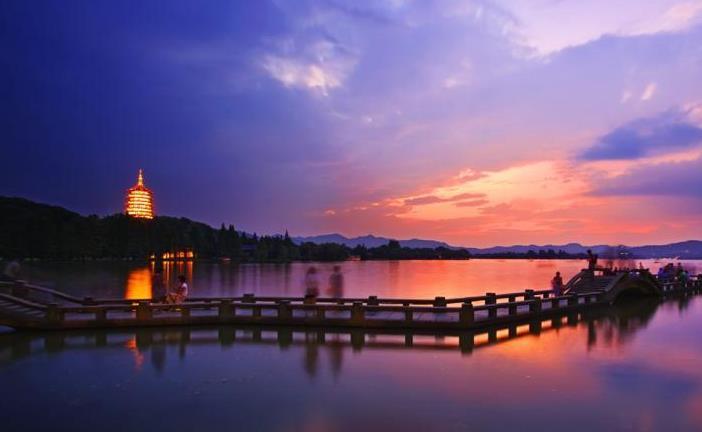 西湖:不收门票,可利用大数据统计游客量