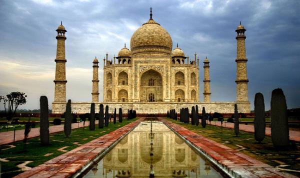 印度:游客参观泰姬陵的时间不得超过3小时