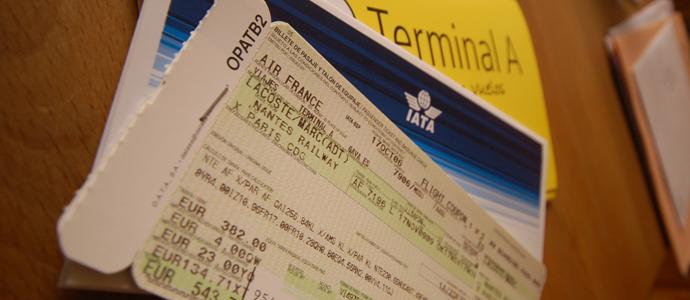 airplane-tickets150715