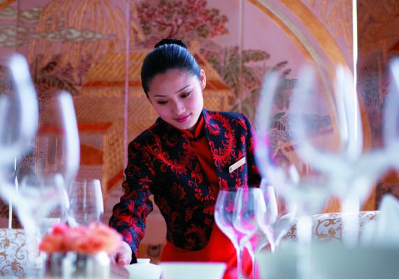 评论:饭店小费和服务费问题有必要深入思考