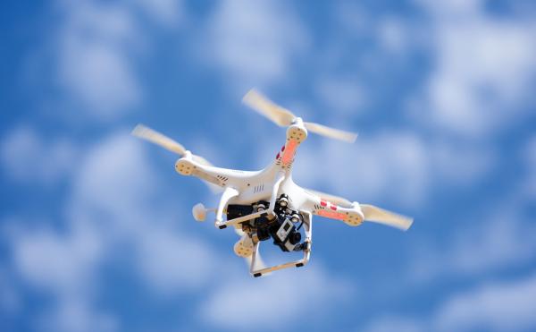 民用无人机:不能想飞就飞 未登记飞行将属违法