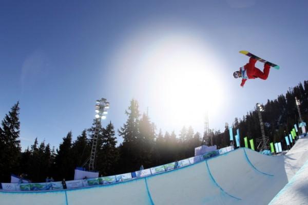 Vail Resorts:5000万美元收购斯托山滑雪场