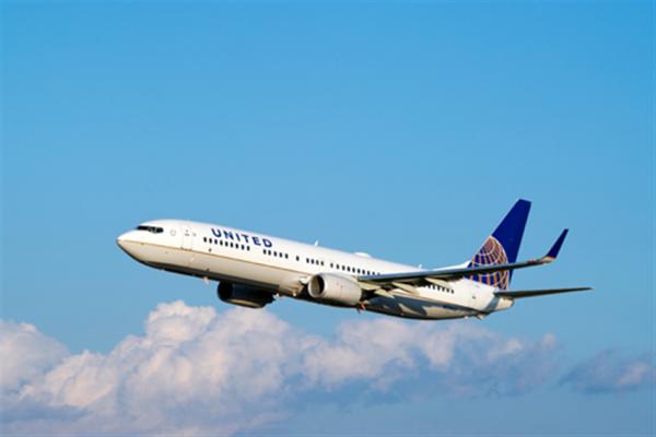 美联航:因新冠病毒疫情暂停2020年业绩预测