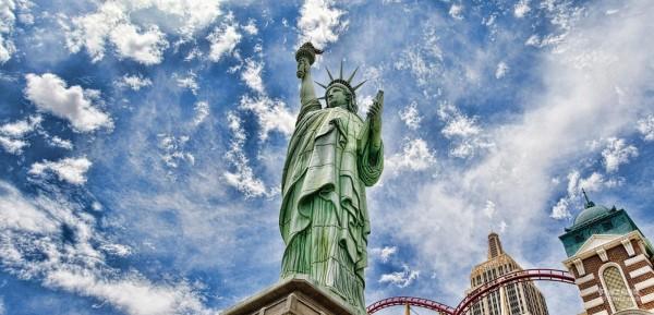美国:签证政策打乱飞行计划 旅游业如坐针毡