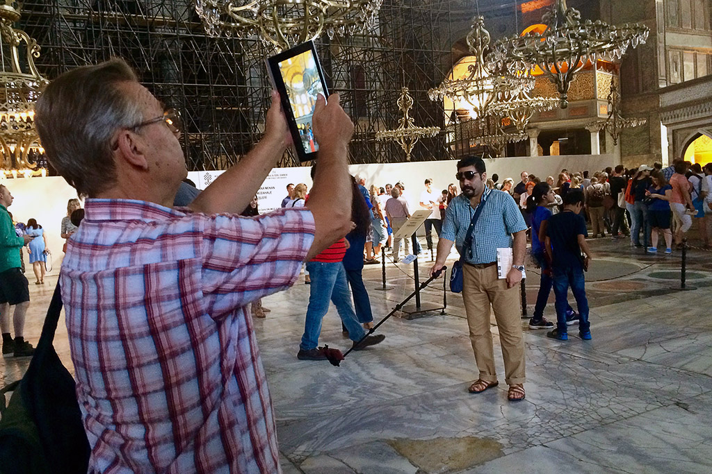 Adobe:新功能帮游客从景点拍摄无人旅游照