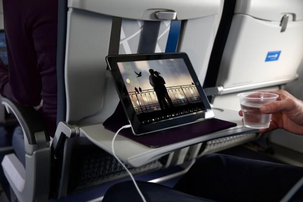 """联合航空:将允许乘客使用""""里程换Wi-Fi"""""""
