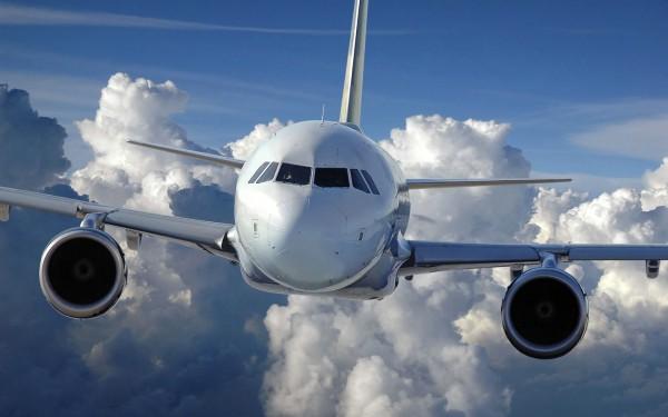 深度评论:包机市场供需失衡,旅游包机普亏