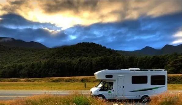 两层面发力:加强房车营地建设 助推全域旅游