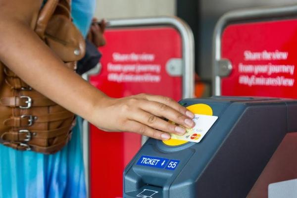 伦敦:为游客乘地铁提供Apple Pay支付方式