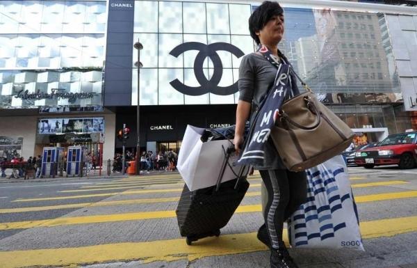 数据:2015年中国游客买走全球46%奢侈品