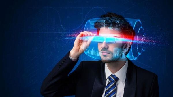 VR:设备市场今年或达9亿美元 三足鼎立中