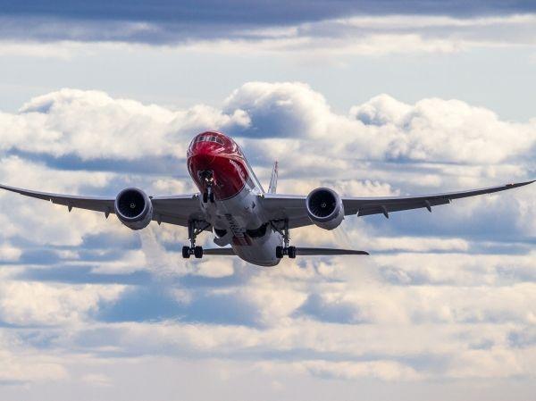 挪威航空:获准飞行美国 美国航空业一片哗然
