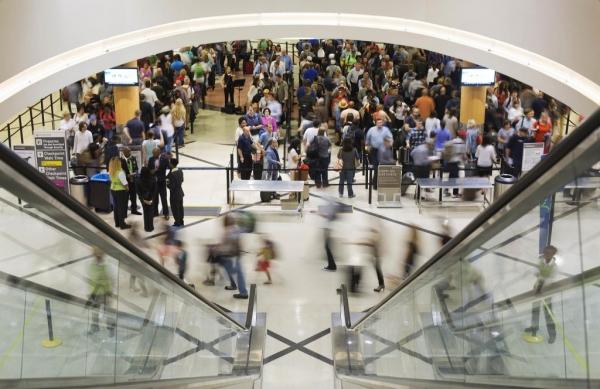 美国航空:投入资金协助TSA缩减安检排队时间