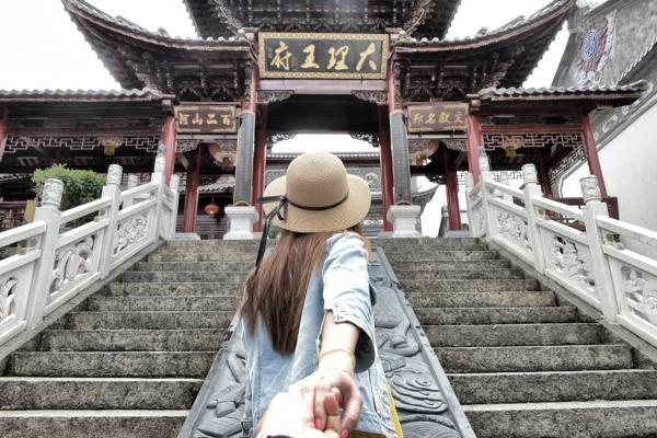 旅游:不是一档子生意  应该代表更深刻的美好