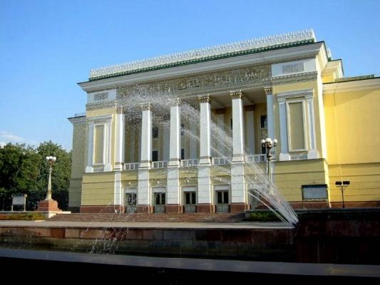 哈萨克斯坦:延长中国公民72小时过境免签政策