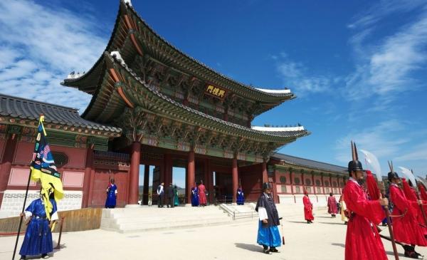 韩国:旅游业进入萧条期,整形业连带低迷
