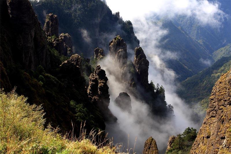 神农架:列入世界自然遗产 并获三冠王遗产地