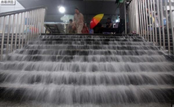 北京旅游委:暴雨来袭 涉山涉水景区停止接客