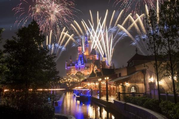 上海迪士尼:截至2016年底客流数已超560万