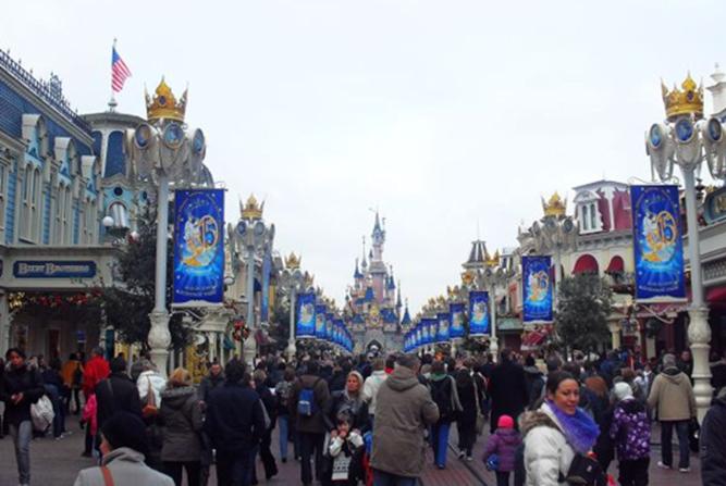美国迪士尼:推出移动订餐 游客不必再排队