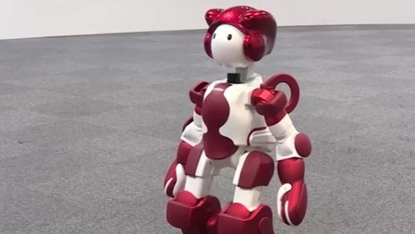 日本:客服机器人EMIEW现身东京羽田机场