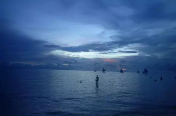 实时更新:长滩岛封闭,中国旅游业紧急响应