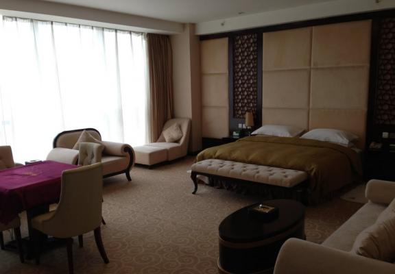 华大酒店:以1.25亿港元出售汇丰控股210万股