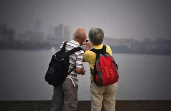 老年旅游:潜力极大 中国旅游市场刚刚起步