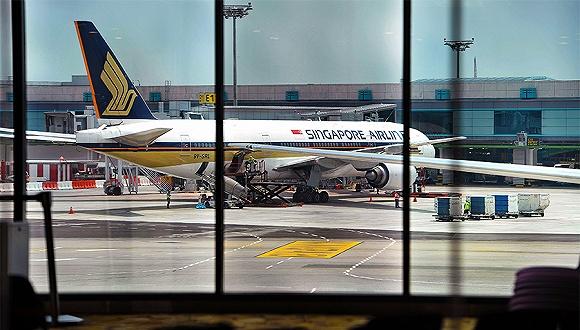 新加坡航空:财报业绩下滑 陷入亏损恐裁员