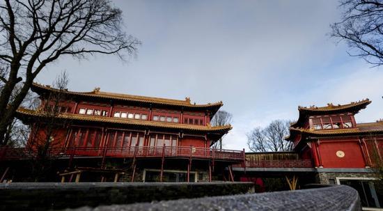 荷兰:为迎接大熊猫 花5千万建豪华中式宫殿