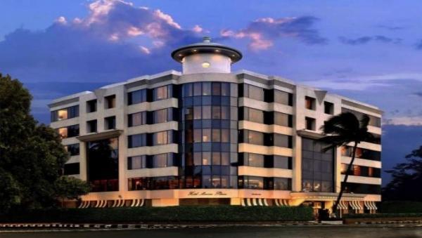 卢浮宫酒店集团:收购印Sarovar酒店多数股权