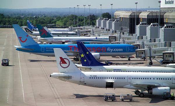 航空:25家航司App和辅助服务的业务调查报告