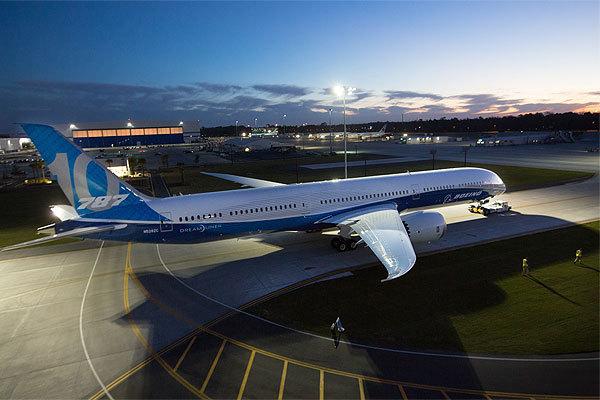 波音:787-10梦幻客机首亮相 2018年投入使用