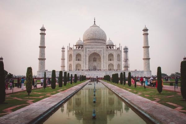 印度:保护泰姬陵 将限制本国游客每日参观人数