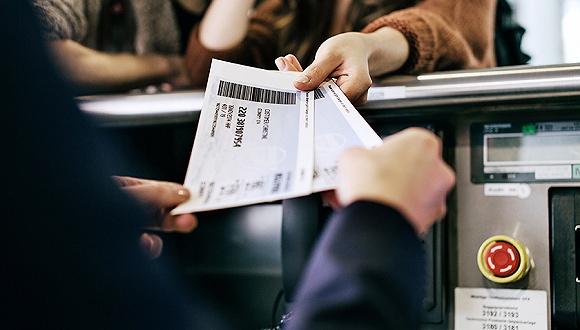 东航:直销扩展到国际机票,票代生存承压