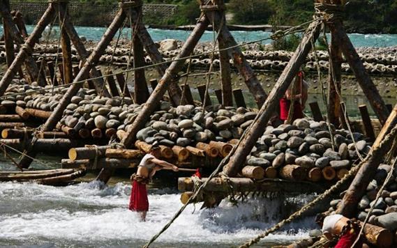 深度解读:都江堰拜水节隐藏的文化符号