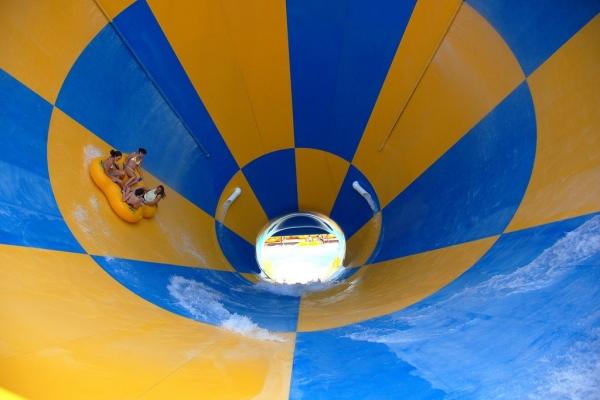 六旗乐园:将大力发展水上乐园 谋求更多收益