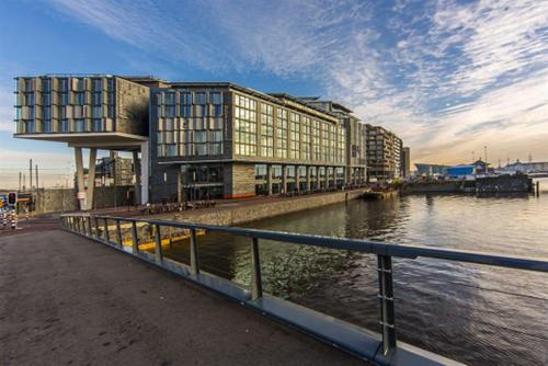 安邦:收购荷兰酒店 3年内与黑石的交易超90亿