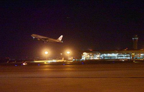 航司:港媒称中国10年内需新增3200架飞机